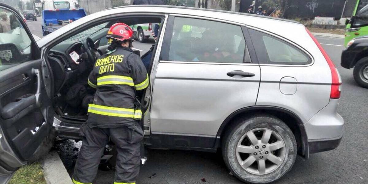 Accidente de tránsito en Cumbayá dejó 5 personas heridas