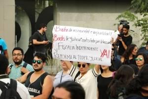 Marchan en protesta por la versión oficial sobre desenlace de estudiantes