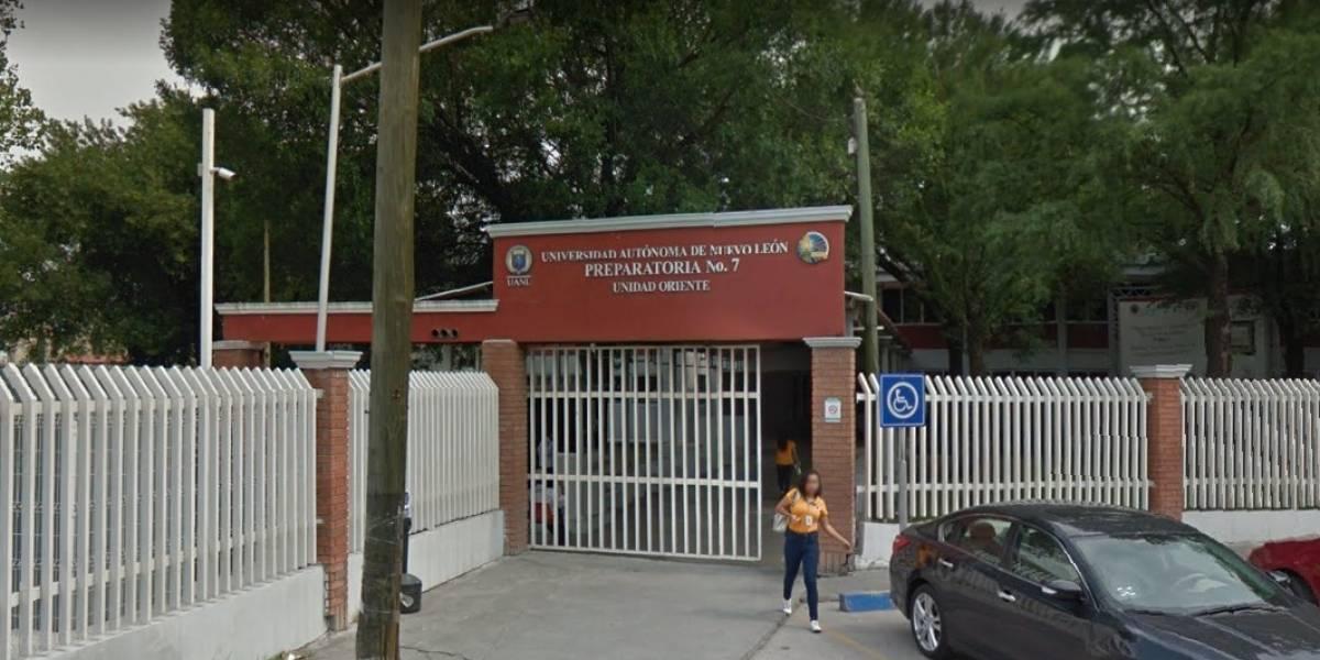 Video: Abejas atacan a estudiantes de preparatoria en Monterrey