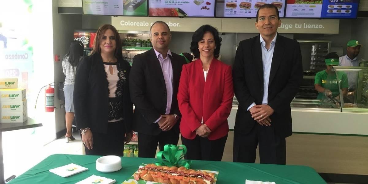 Empresarios lanzan nuevo restaurante Subway en Santo Domingo