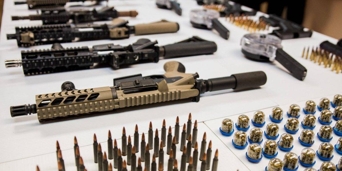 Incautan arsenal de armas en escuela de Río Piedras