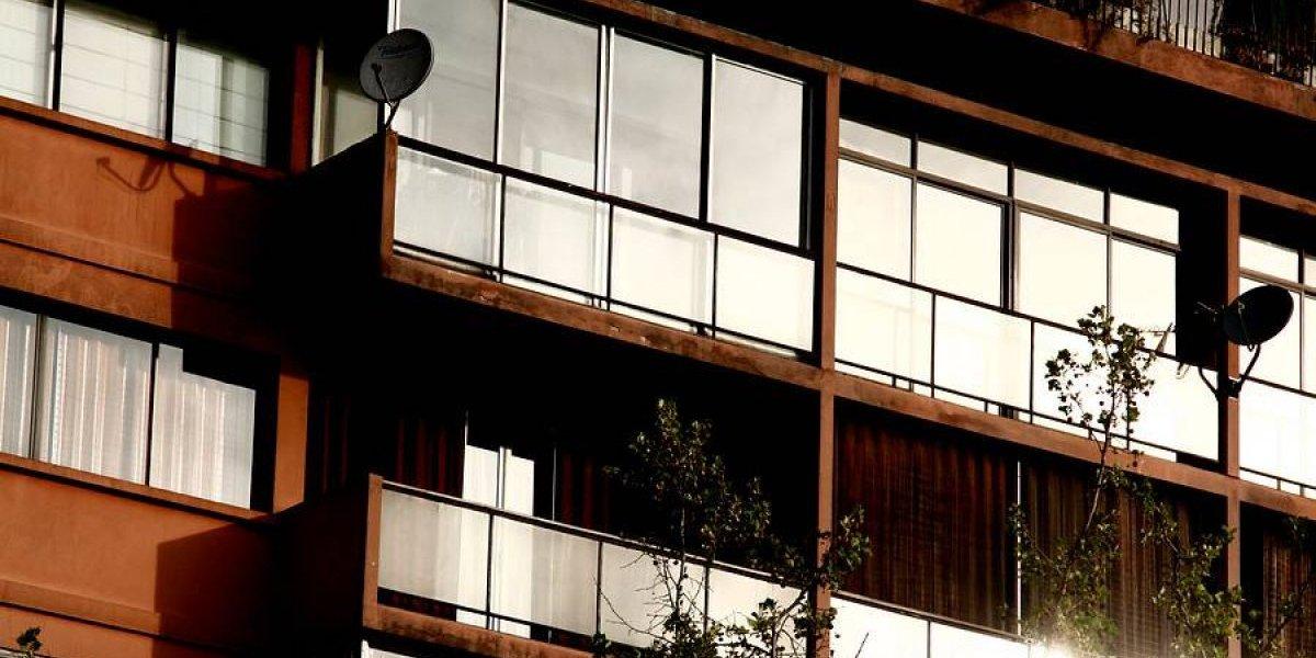 Cinco claves de la nueva ley que permite a habitantes de condominios contratar la empresa de TV, telefonía o internet que quieran
