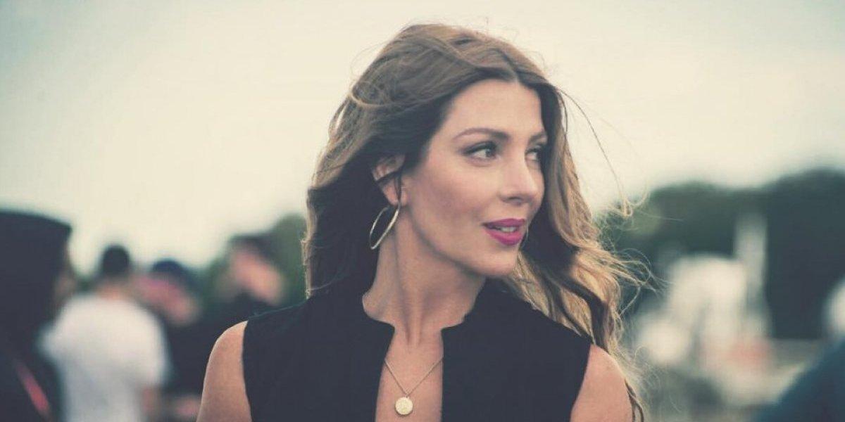 FOTO. Famosa modelo se hace sexy tatuaje en apoyo a Argentina