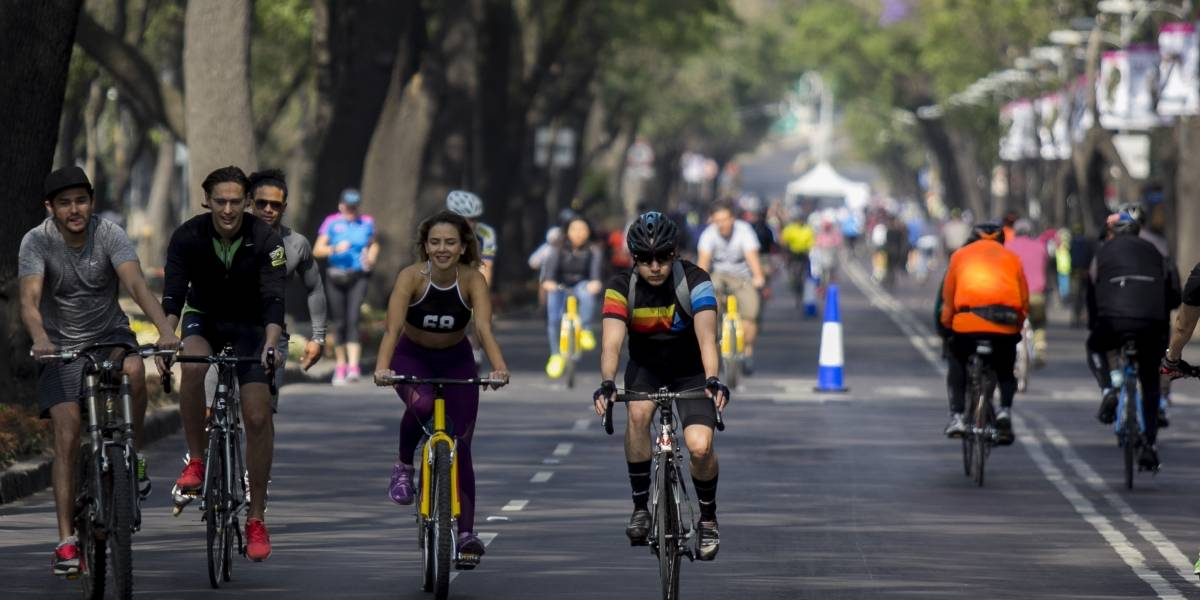 Carreras y paseos en bici provocan cierres viales en CDMX