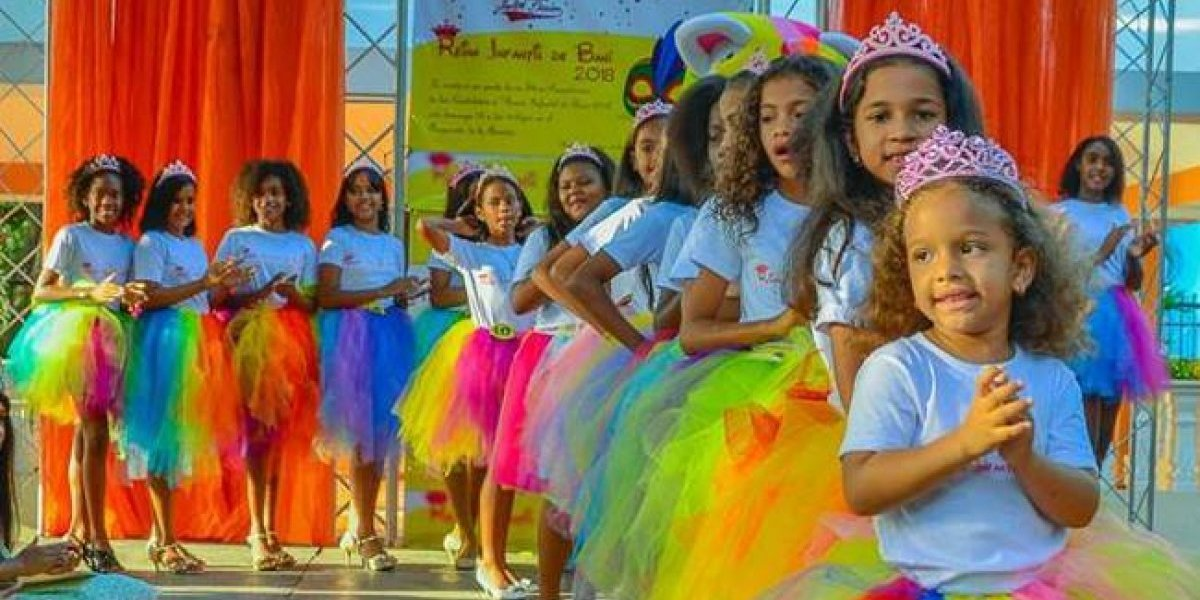 "Presentan 23 candidatas certamen de belleza ""Reina Infantil Baní 2018"""