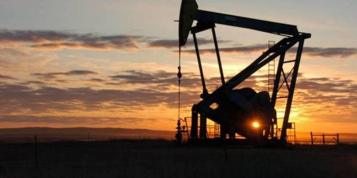Precios del petróleo bajan ante conflicto comercial EU-China