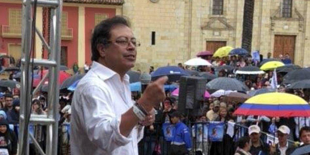 Agarrón entre Gustavo Petro y periodistas de RCN en Twitter