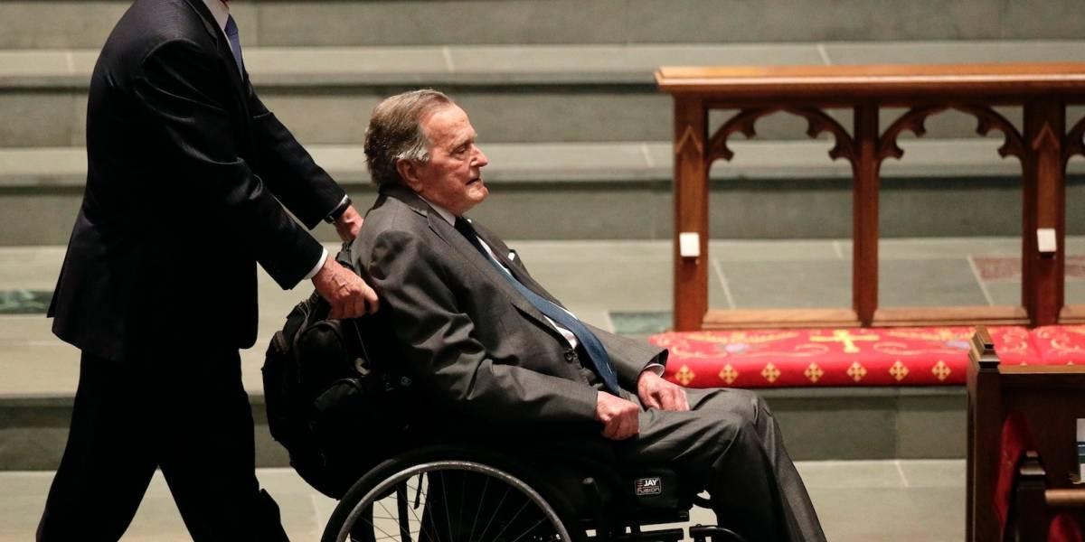 Bush padre se recupera tras hospitalización