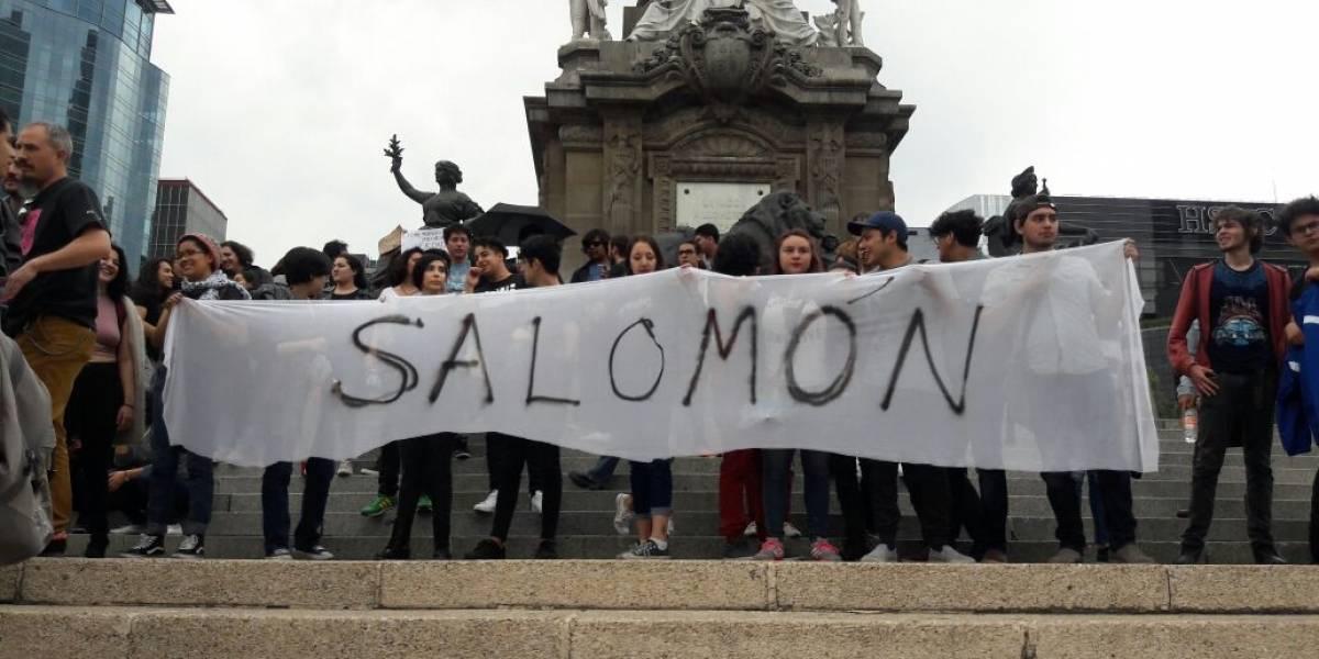 Claman 'ni uno más' en repudio al asesinato de los tres estudiantes de cine