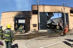 Se incendia fábrica de colchones en la colonia Jalisco