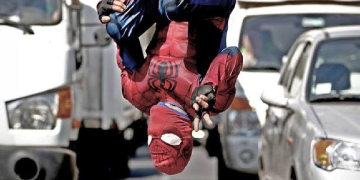 """El """"Estúpido y Sensual Spiderman Chileno"""" reveló uno de sus más grandes secretos y cautivó a las redes sociales"""