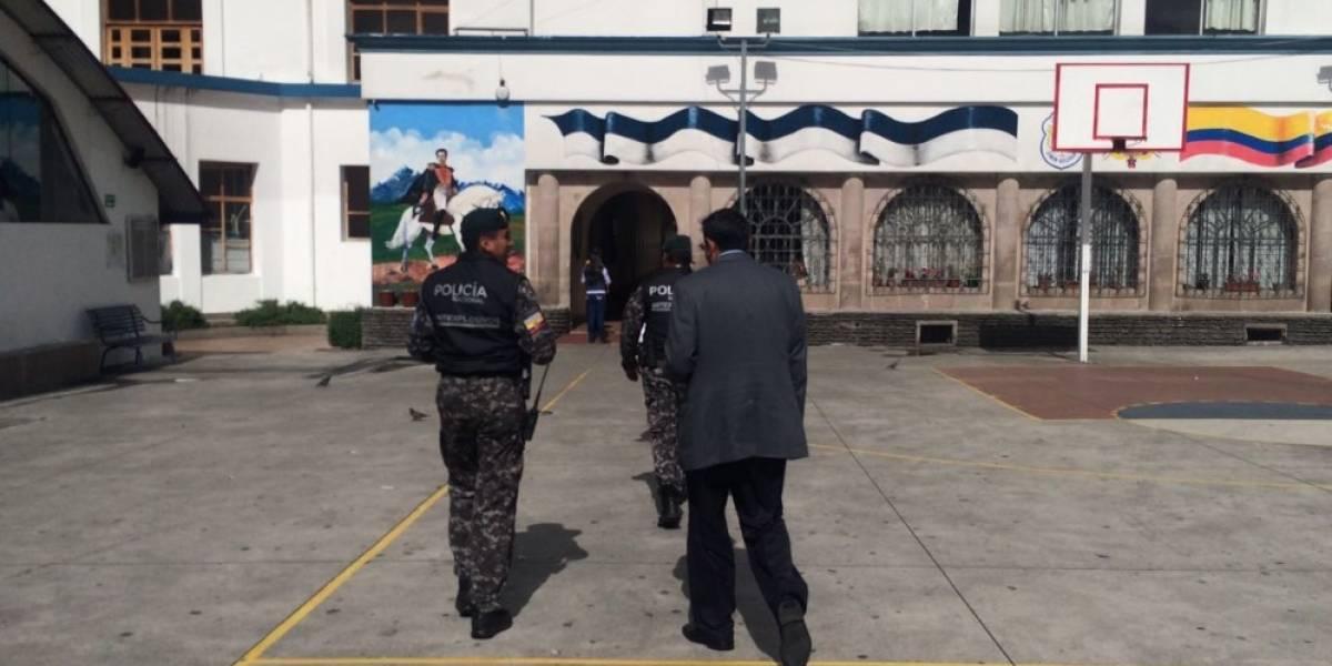 Policía identificó a estudiante que alertó de bomba falsa en colegio Simón Bolívar de Quito