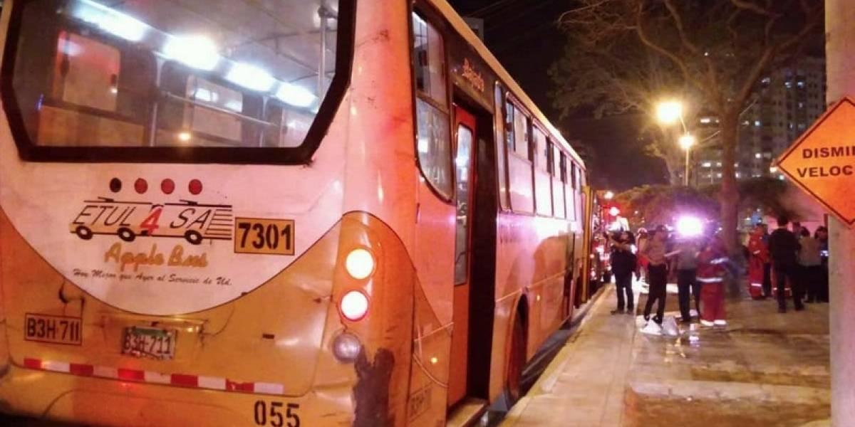 Perú: hombre prendió fuego a una mujer en un autobus