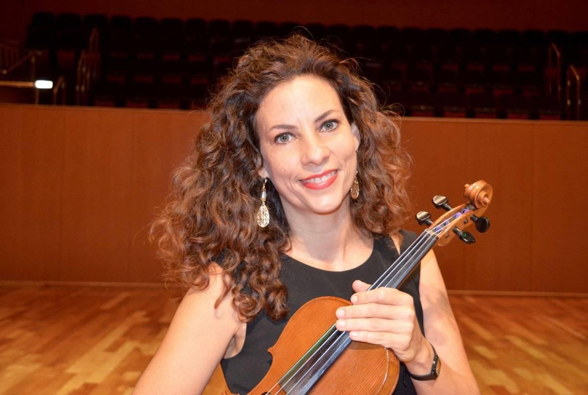 La violinista Lynnette M. Cartagena, miembro de la Orquesta Sinfónica de Puerto Rico. / Suministrada