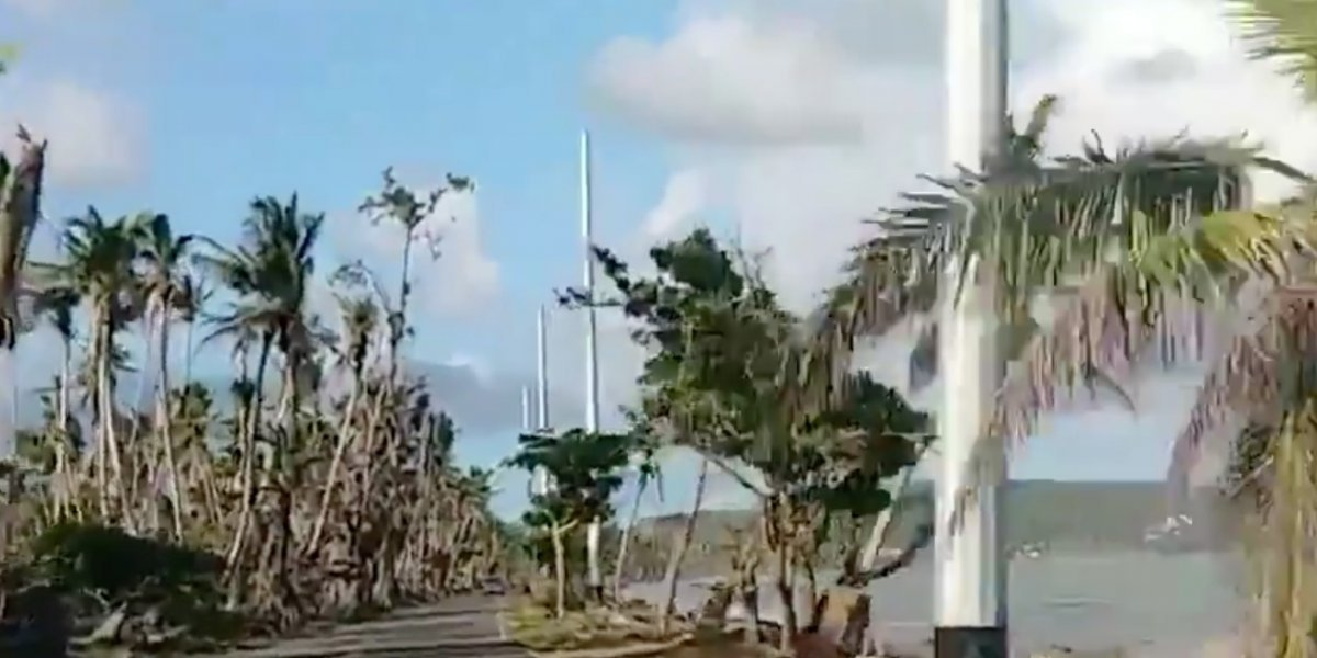 Instalan postes en la orilla del mar en carretera PR-3