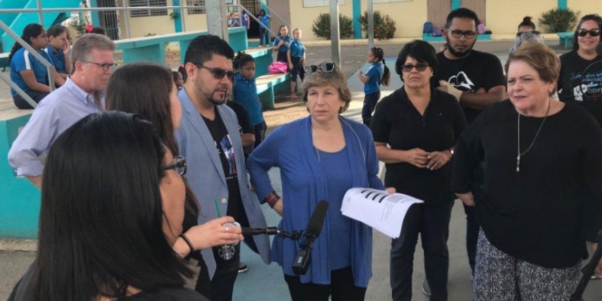 Presidenta de AFT se une a Escudo Humano por la educación publica