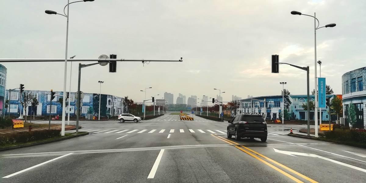 En China, Ford prueba la tecnología que permite la comunicación del auto con todo