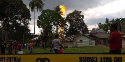 Incendio en pozo petrolero de Indonesia