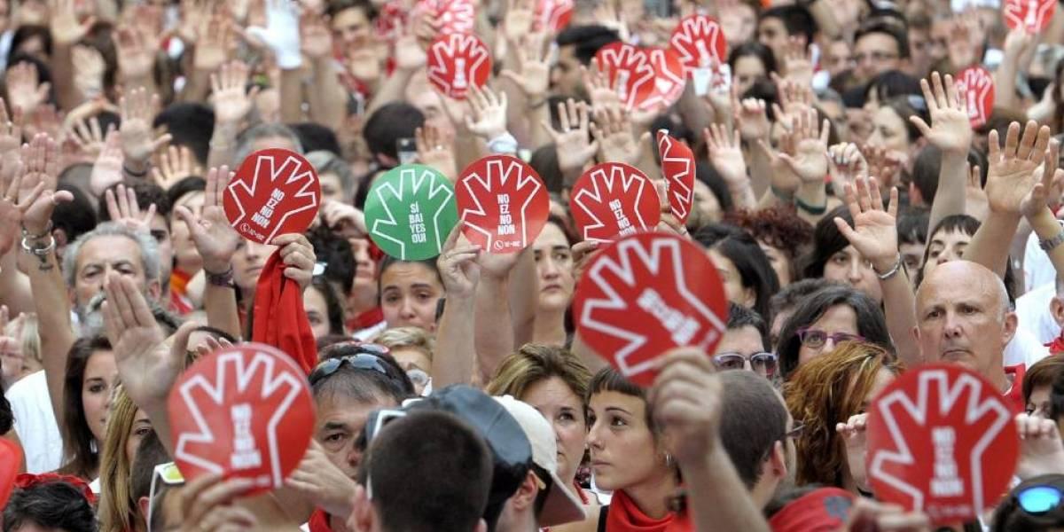 Hombres que abusaron de joven en festival de San Fermín reciben 9 años de prisión