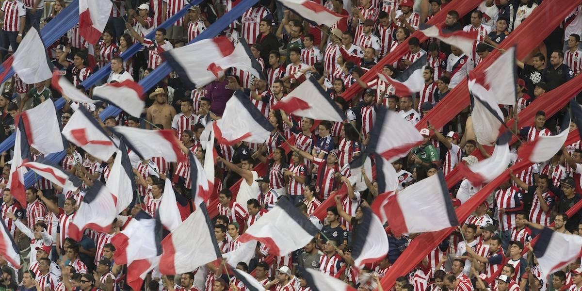 VIDEO: '¡Que les paguen, que les paguen!', la afición apoyó a Chivas tras campeonato