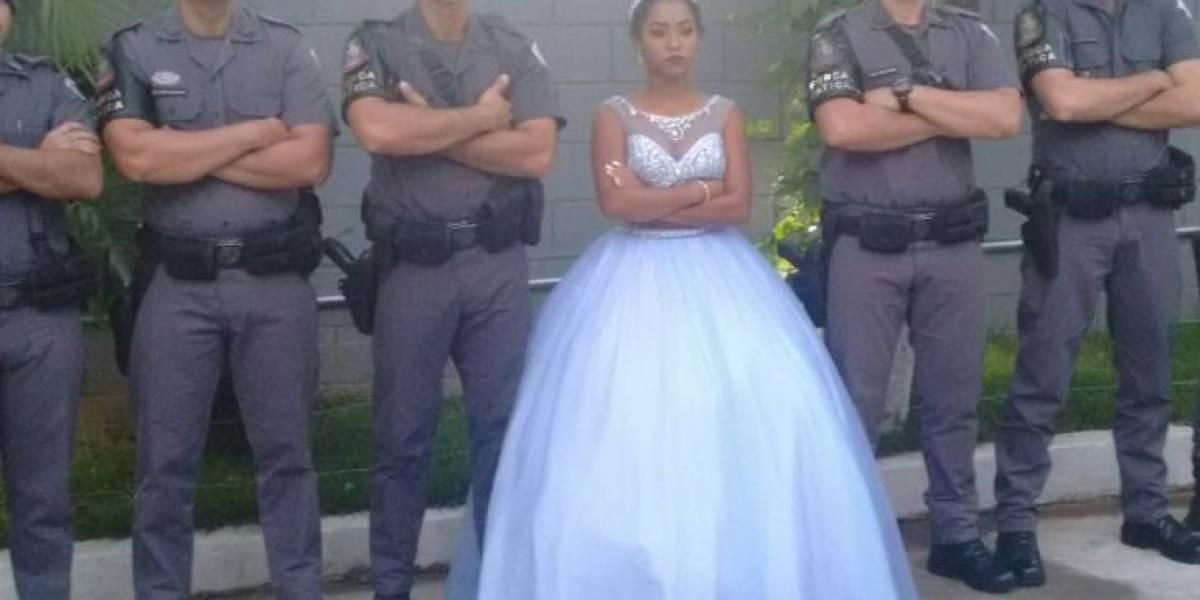 Fanática pela PM, jovem é escoltada por policiais na sua festa de 15 anos