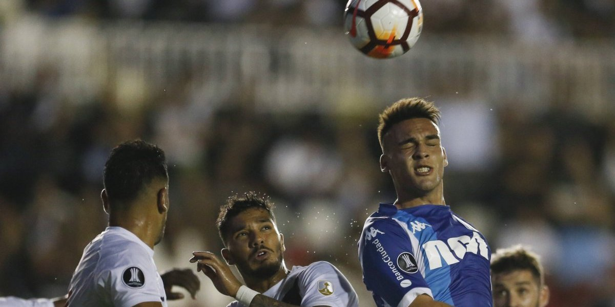 Racing y Vasco empataron y complicaron aún más a la U en la Libertadores