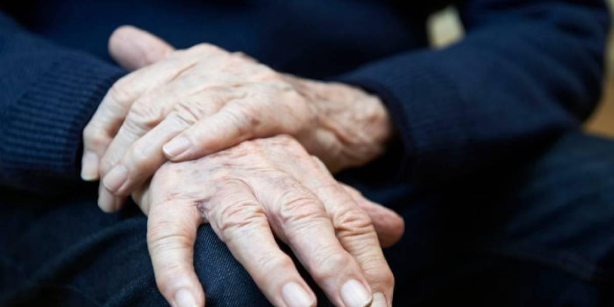 Dispositivo chileno logra controlar los temblores producidos por el Parkinson