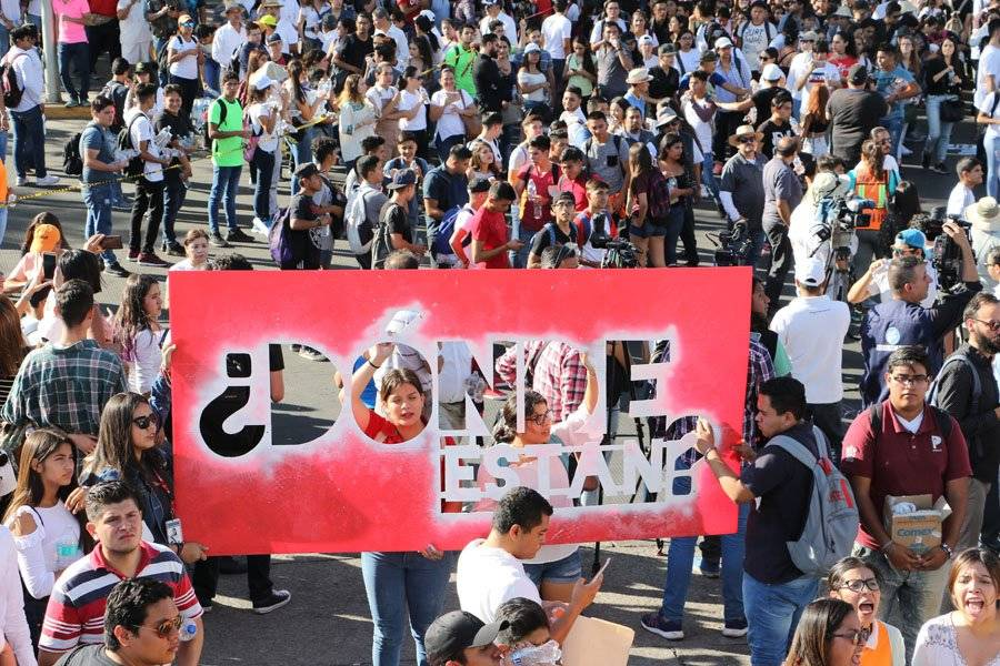 Más de siete mil personas marcharon por calles de Guadalajara. FOTO: Héctor Escamilla