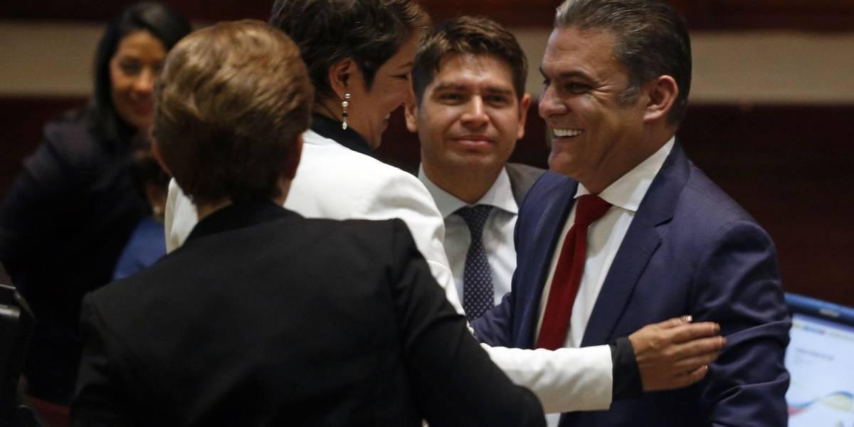 José Serrano reaparece en Asamblea Nacional tras licencia
