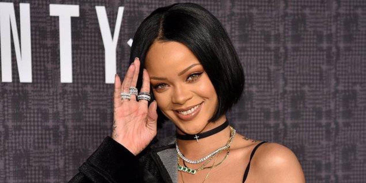 Rihanna enciende las redes al modelar su nueva colección de lencería