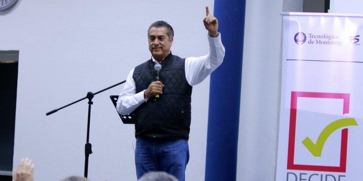 Analiza 'El Bronco' reforma constitucional para mochar la mano a corruptos