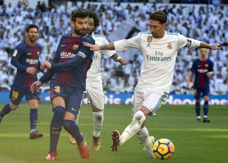 Gerard Piqué y Sergio Ramos en un clásico