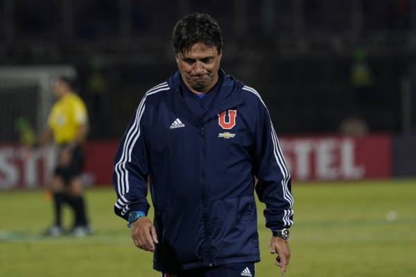 Ángel Guillermo Hoyos fue despedido como entrenador de la Universidad de Chile