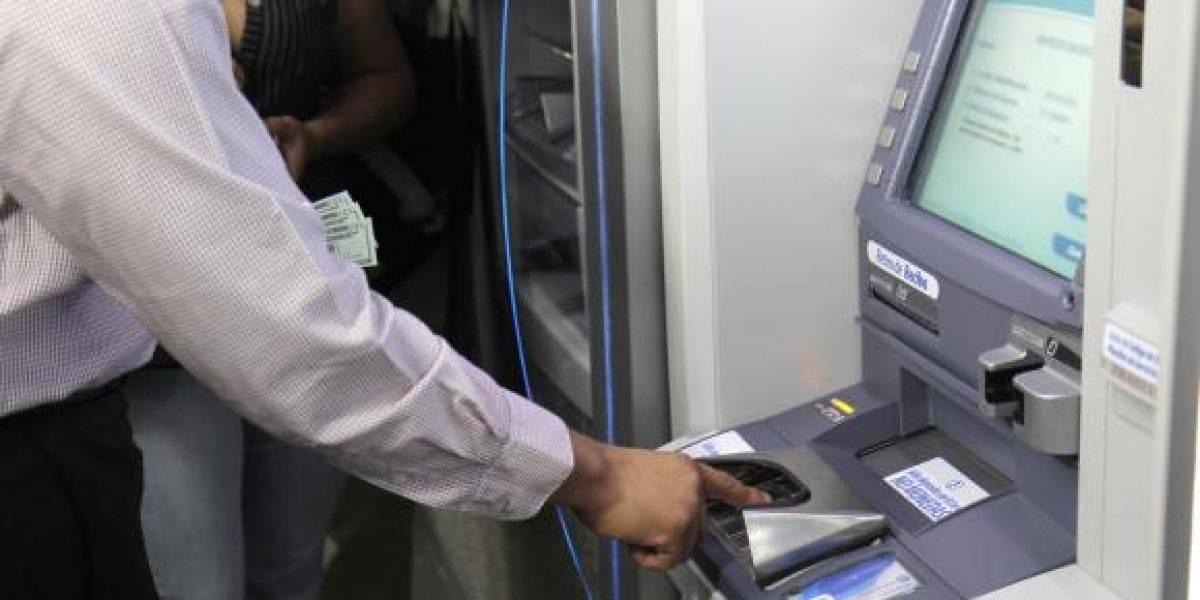 Feriado: Bancos atenderán en cajeros y horarios diferidos