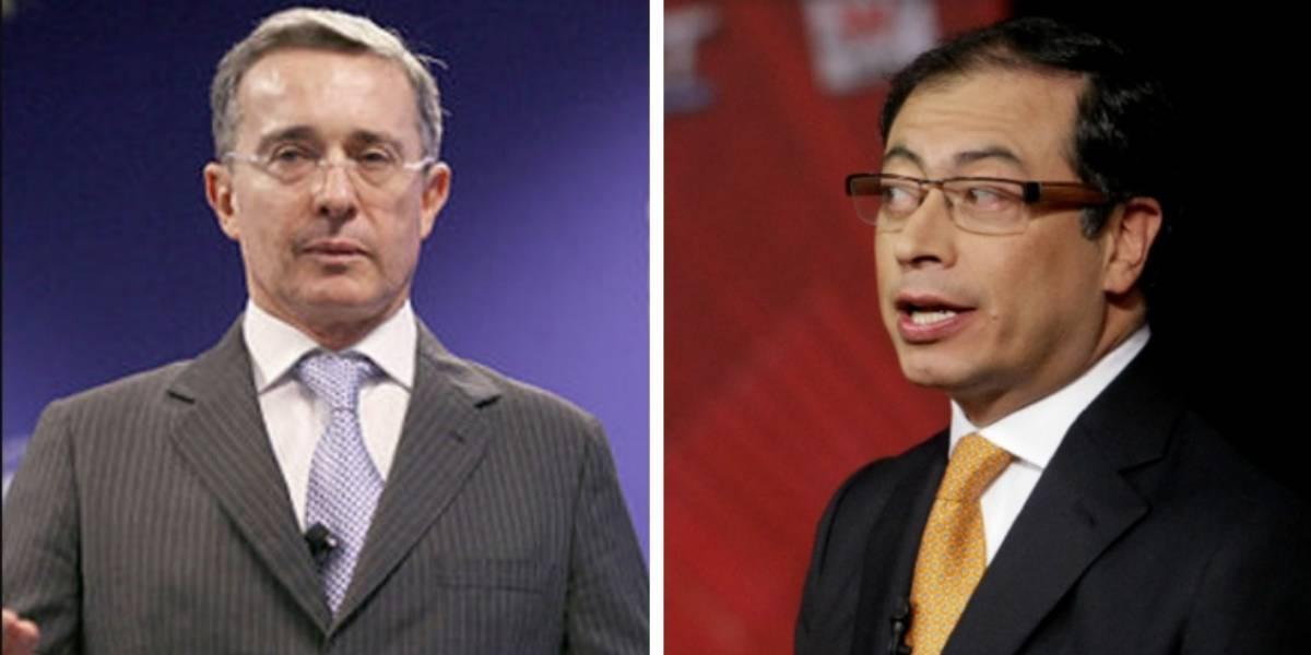¿Uribe defendió a Petro de una agresiva valla en donde lo insultan?