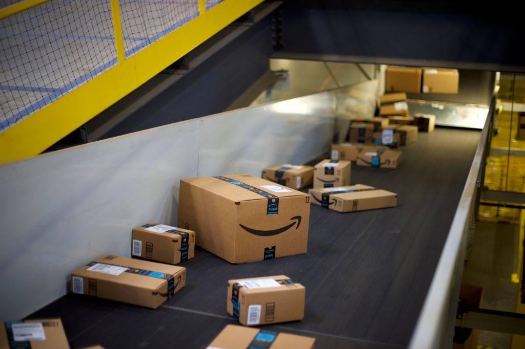 Un paso más a la conquista mundial: Oxxo ahora entregará pedidos de Amazon