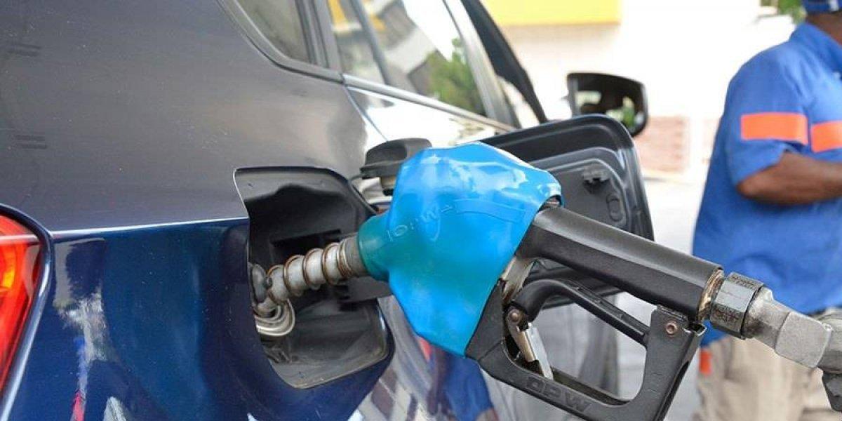 Baja el precio de las gasolinas y el GLP, pero sube el gasoil