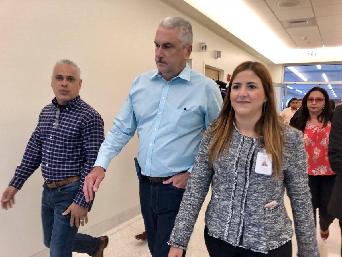 De izquierda a derecha,el senador Eric Correa Rivera; el presidente del senado, Thomas Rivera Schatz; y la directora de servicios ancilares del CCC, María Torres. / Foto: David Cordero
