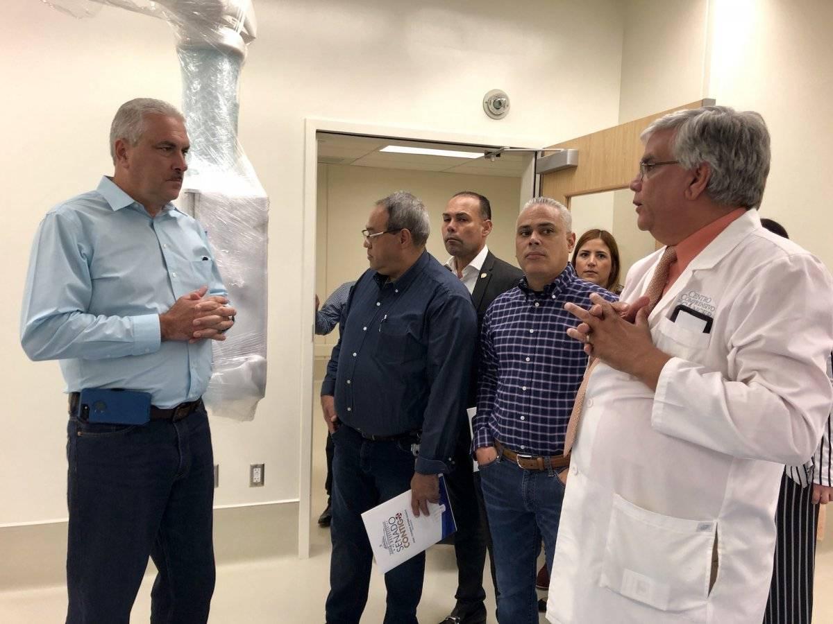 Rivera Schatz durante el recorrido en el hospital del CCC. / Foto: Ddvid Cordero