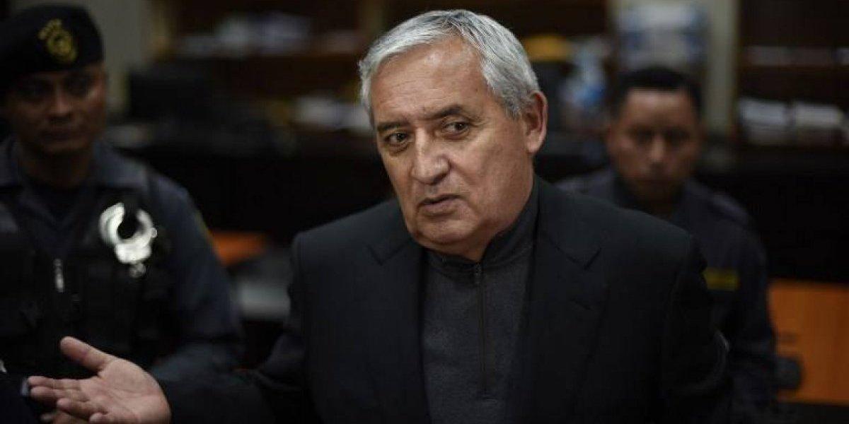 Juez ordena que Otto Pérez salga del hospital y regrese a prisión
