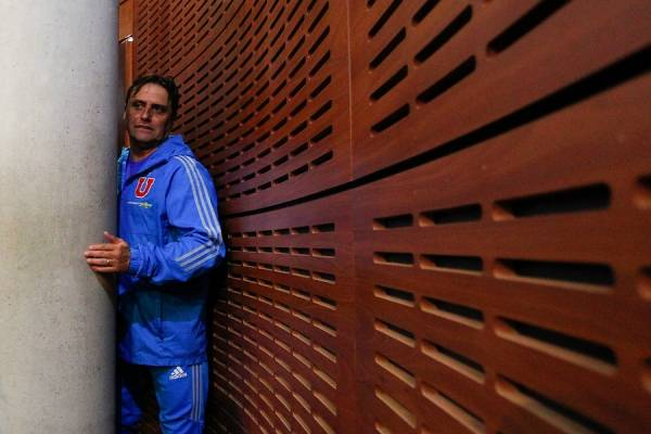 Hoyos ya no va más en la U / Foto: Photosport
