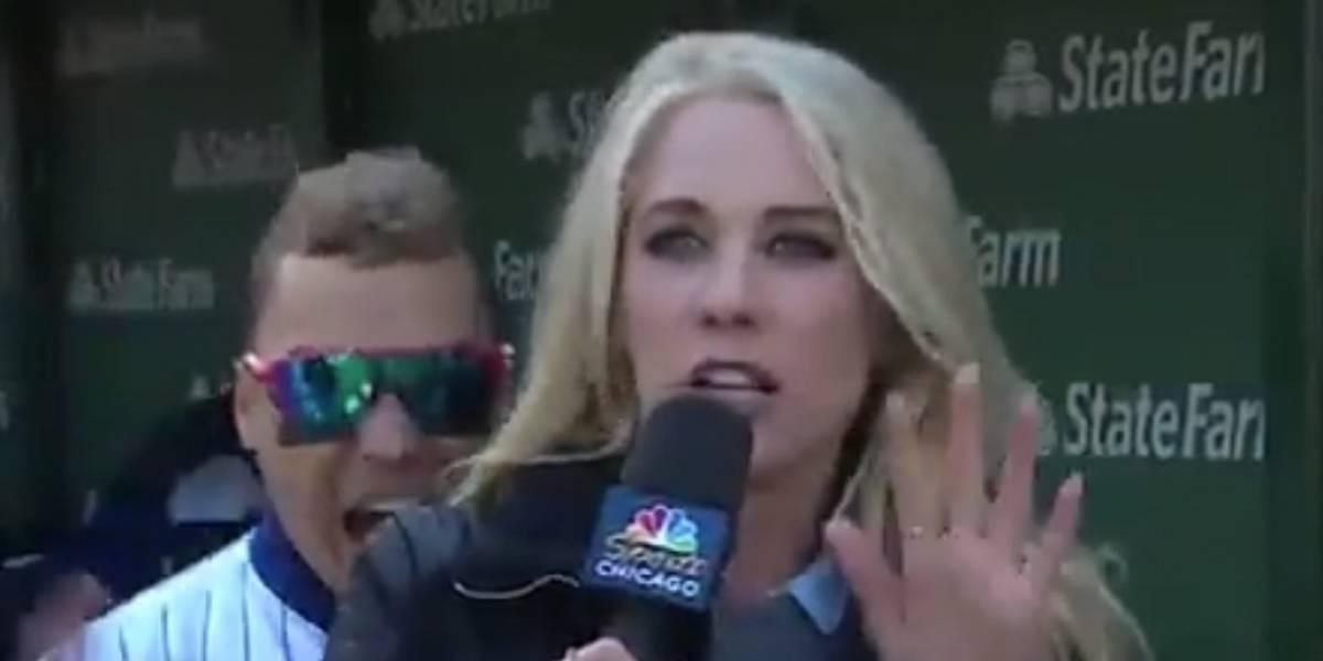 Javy Báez asusta a periodista en vivo