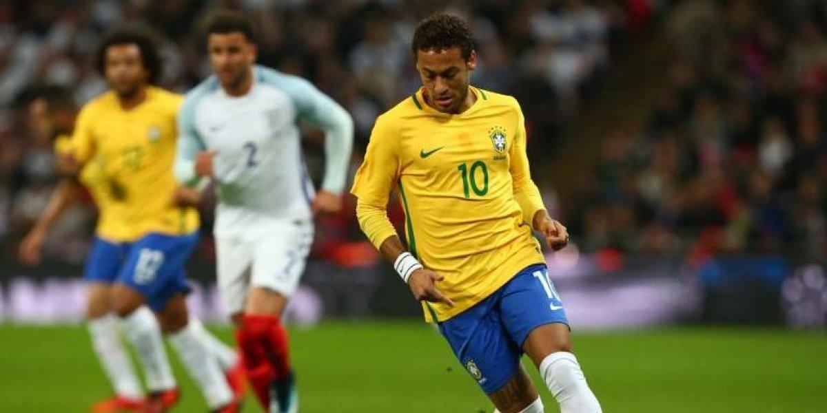 """Médico de Neymar asegura que llegará """"bien"""" al mundial"""