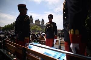 Trasladan cuerpo del alcalde Álvaro Arzú al Palacio Nacional