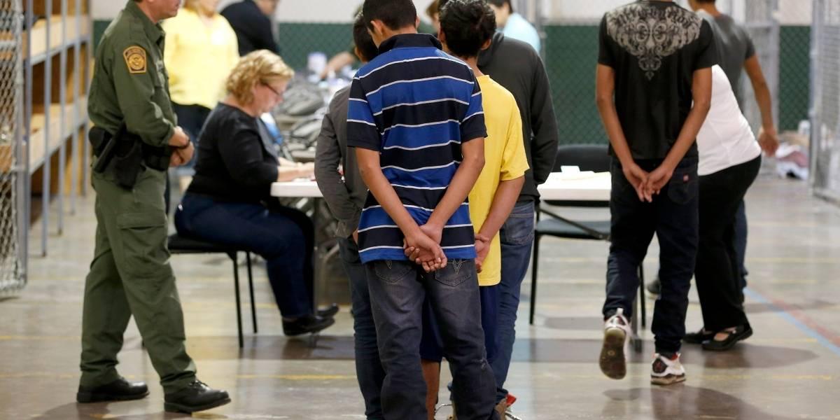 Autoridades de Estados Unidos perdieron el rastro de casi 1,500 niños migrantes