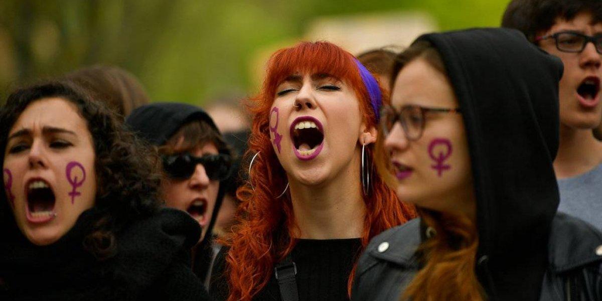 España: cerca de 35 mil personas protestan por leve sentencia a acusados de violación grupal