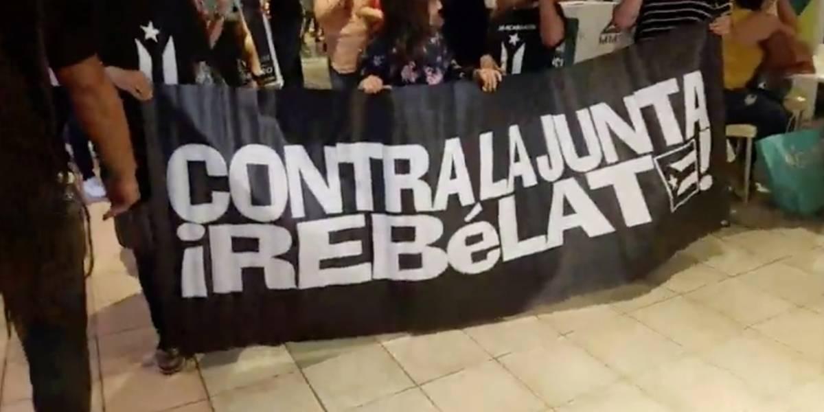 Protestan en Plaza Las Américas en camino al Paro Nacional