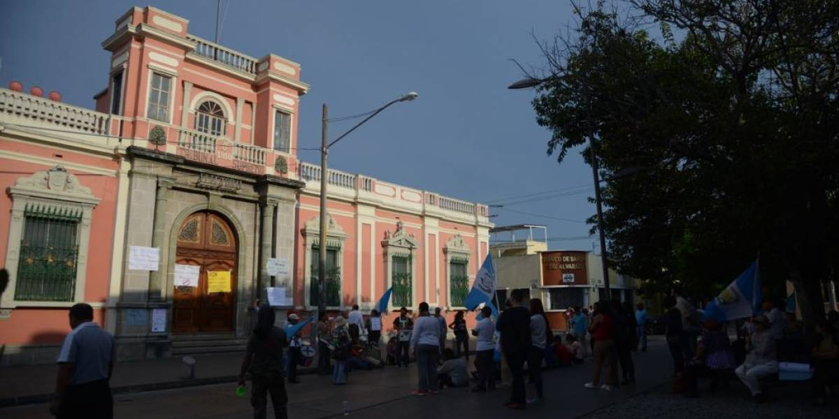 Con un TSE débil, Guatemala puede convertirse en un narcoestado