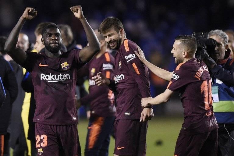 Los jugadores catalanes celebran su título