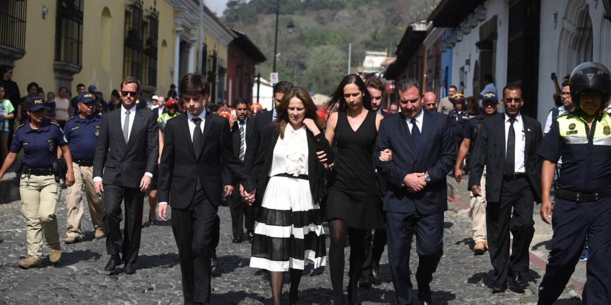 """Hija de Arzú agradece a Guatemala por muestras de amor y """"calmar un poco su dolor"""""""